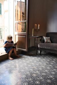 via gmbh zementfliesen und zementmosaikplatten heritage guide. Black Bedroom Furniture Sets. Home Design Ideas